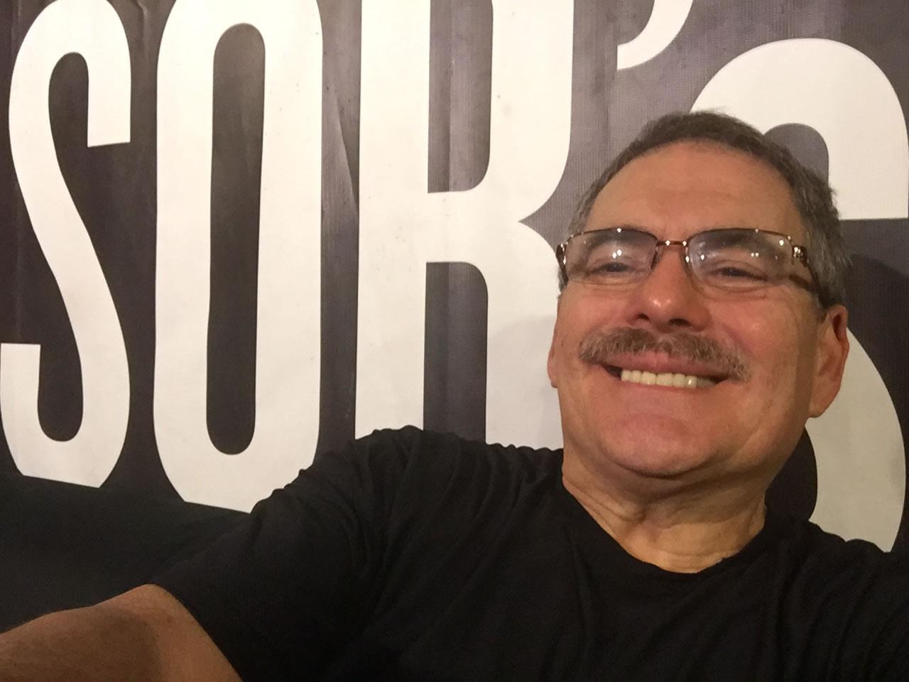Juanma-selfie-backdrop-backstage-SOB's-NYC-nightclub