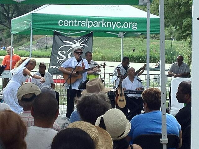 Sonido-Costeno-guayaberas-dancer-crowd-fans-under-tent-Central-Park-NYC-Danna-Center-Meers